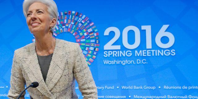 Varldsbankens chef sitter kvar