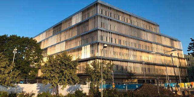 Den nya byggnaden tillhörande Danderyds sjukhus.  Locum