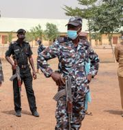 Säkerhetspolis i Nigeria. Arkivbild. Ibrahim Mansur / TT NYHETSBYRÅN