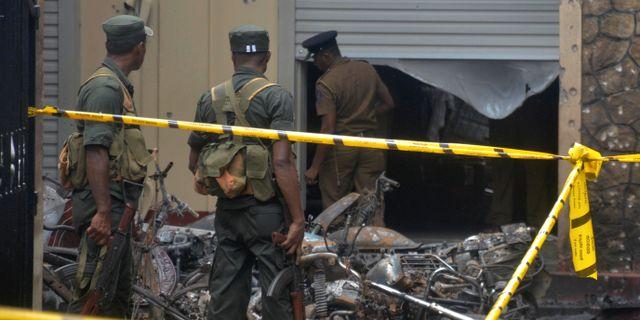 Militär vid en av kyrkorna som utsattes för en attack, i Batticaloa. STRINGER / TT NYHETSBYRÅN