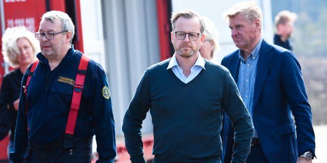 Mikael Damberg på plats i Hästveda.  Johan Nilsson/TT / TT NYHETSBYRÅN