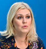 Socialminister Lena Hallengren.  Jessica Gow/TT / TT NYHETSBYRÅN