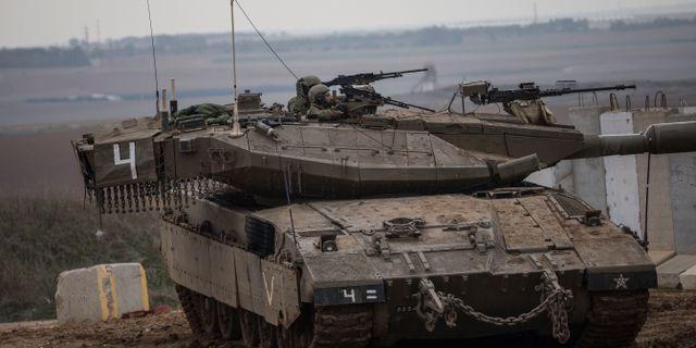 En israelisk stridsvagn vid gränsen mot Gaza. Arkivbild från november 2018.  Tsafrir Abayov / TT NYHETSBYRÅN