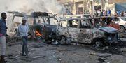 Ett bränsletankfordon exploderande i samband med lastbilsbomben. Farah Abdi Warsameh / TT / NTB Scanpix