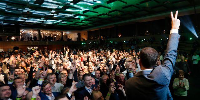 Olana firar segern. Petr David Josek / TT NYHETSBYRÅN