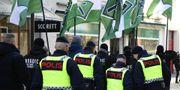 Ett 40-tal medlemmar i Nordiska motståndsrörelsen, NMR, anordnade en icke tillståndsgiven demonstration i centrala Jönköping. TT / TT NYHETSBYRÅN