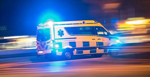 En ambulans på uttryckning.  Johan Nilsson/TT / TT NYHETSBYRÅN
