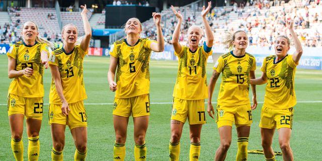 Damlandslaget firar VM-bronset i somras. Arkivbild. PETTER ARVIDSON / BILDBYRÅN