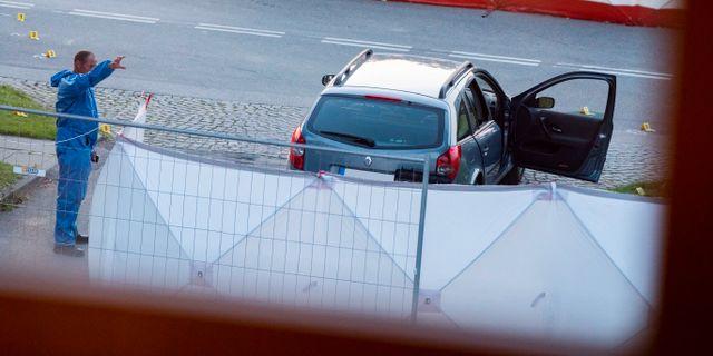 Polis och kriminaltekniker på plats där dödsskjutningen skedde. Johan Nilsson/TT / TT NYHETSBYRÅN
