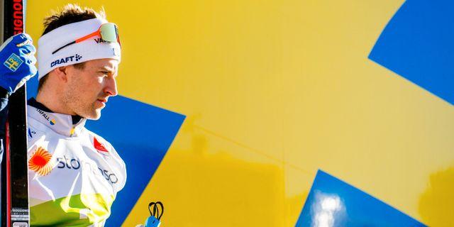 Teodor Peterson framför den svenska flaggan. VEGARD WIVESTAD GRØTT / BILDBYRÅN NORWAY