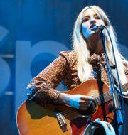 Sångerskan Margo Price uppträder på galan Spotify Best New Artist 2019. Phil Mccarten / TT NYHETSBYRÅN/ NTB Scanpix