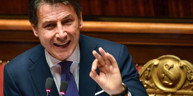 Giuseppe Conte talar i parlamentet. ANDREAS SOLARO / AFP
