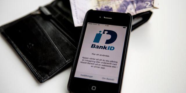 De äldre luras att lämna ut sina bankiduppgifter. Christine Olsson/TT / TT NYHETSBYRÅN