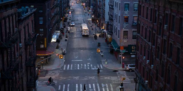 Bild från New York. Mark Lennihan / TT NYHETSBYRÅN