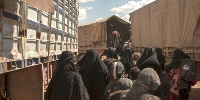 Människor evakueras från Baghuz. Arkivbild. Gabriel Chaim / TT NYHETSBYRÅN/ NTB Scanpix
