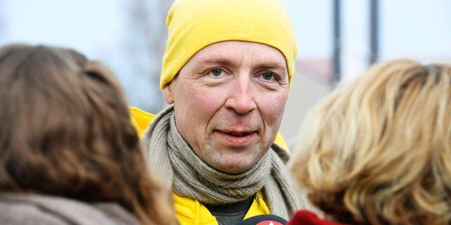 Jussi Halla-aho kampanjar i Tuusula inför valet. Heikki Saukkomaa / TT NYHETSBYRÅN