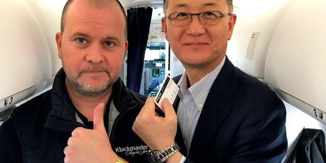 Svante Nilsson, till vänster, är urmakare.