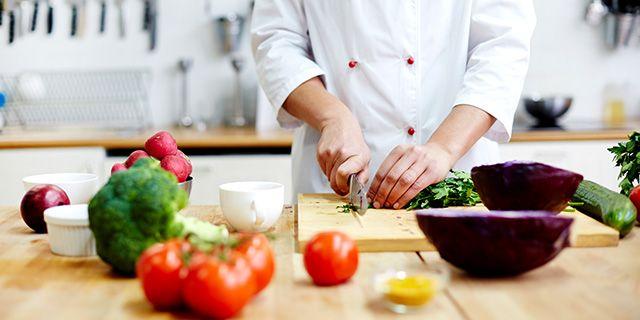 Allt fler vill äta klimatsmart visar en undersökning från  ICA.  Colourbox