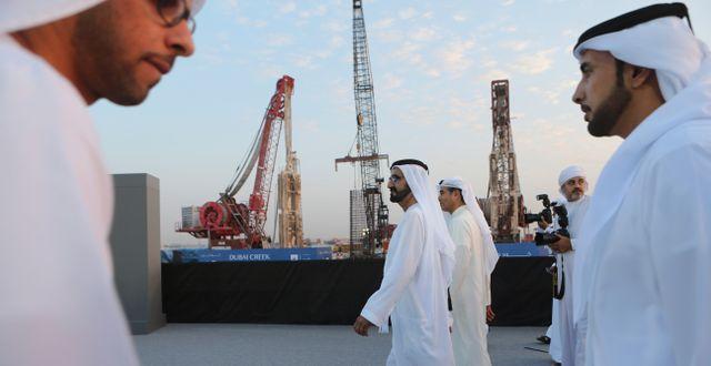 Mohammad bin Rashid al-Maktum i hamnen Dubai Creek Harbour där man nu bygger vad som ska bli världens högsta byggnad: Dubai Creek Tower. Kamran Jebreili / TT NYHETSBYRÅN