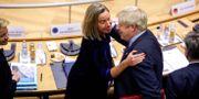 EU:s utrikeschef Federica Mogherini och Storbritanniens premiärminister Boris Johnson. OLIVIER MATTHYS / POOL