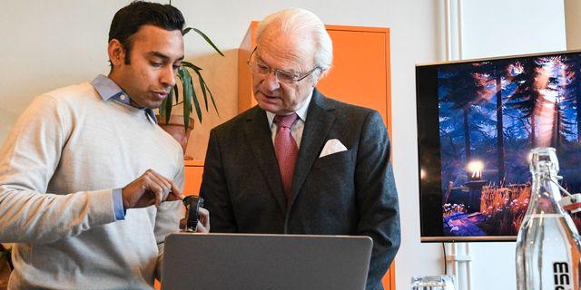 Kung Carl XVI Gustaf besöker startupföretagare i Malmö, tidigare i vinter. Johan Nilsson/TT NYHETSBYRÅN