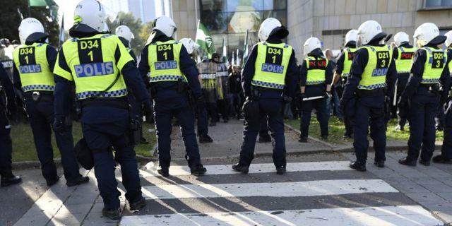 Fanrik anklagad for trakasserier blev polis