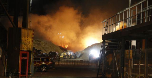Branden vid Eon på Händelö, Norrköping. Stefan Jerrevång/TT / TT NYHETSBYRÅN