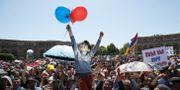 Demonstranter i Jerevan.  GLEB GARANICH / TT NYHETSBYRÅN