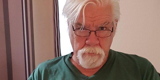 Börje Carlsson, skriver för Magasinet Paragraf och jobbat som polis i olika funktioner under 46 år.  Privat