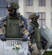 Militärer på gatorna i Minsk, Belarus/Arkivbild.  Sergei Grits / TT NYHETSBYRÅN