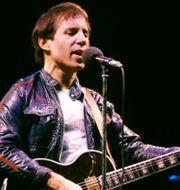 "Paul Simon på en konsert 1980 när han släppte sitt femte soloalbum ""One-Trick Pony"".  Bjørn Sigurdsøn / TT NYHETSBYRÅN"