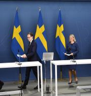 Per Bolund (MP), Mats Persson (L), Magdalena Andersson (S) och Emil Källström (C). Henrik Montgomery/TT / TT NYHETSBYRÅN