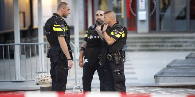 Arkivbild. Polisavspärrning i Nederländerna efter ett misstänkt terrorlarm, 23 augusti, Rotterdam. ARIE KIEVIT / ANP