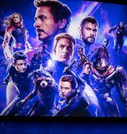Bulletins Ivar Arpi och Alice Teodorescu Måwe, i mitten promomaterial för Marvelfilmen Avengers Endgame TT