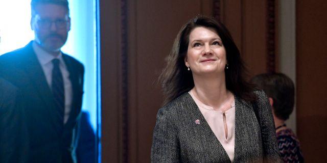 Ann Linde, EU- och handelsminister, (S) anländer till konstitutionsutskottet förhör. Janerik Henriksson/TT / TT NYHETSBYRÅN