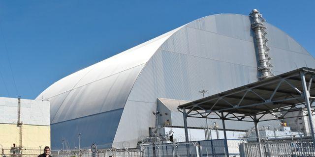 Sarkofagen som täcker reaktorhärden  i Tjernobyl.  POOL / TT NYHETSBYRÅN
