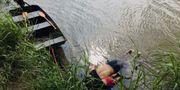 Óscar Alberto Martinez från El Salvador och dottern Valeria som drunknade i Rio Grande när de försökte ta sig in i USA.  STR / AFP