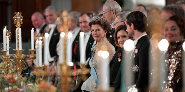 Drottning Silvia under Nobelbanketten i Stadshuset i Stockholm. Anders Wiklund/TT / TT NYHETSBYRÅN