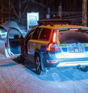 Poliser vid brottsplatsen i Ersboda Samuel Pettersson/TT / TT NYHETSBYRÅN