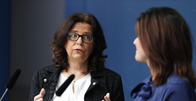 Arbetsmarknadsminister Eva Nordmark (S) presenterar Maria Mindhammar som utnämnts till ny generaldirektören för Arbetsförmedlingen i december 2019. Christine Olsson/TT / TT NYHETSBYRÅN
