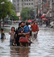 Översvämning i Hyderabad, Pakistan. Pervez Masih / TT NYHETSBYRÅN