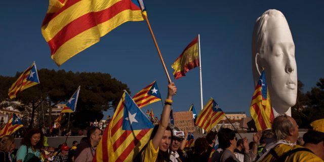 Katalanska demonstranter. Arkivbild. Emilio Morenatti / TT NYHETSBYRÅN