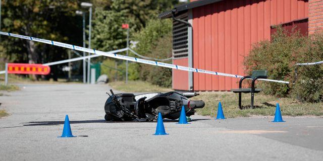 Polisavspärrningar i Vivalla. PAVEL KOUBEK/TT / TT NYHETSBYRÅN