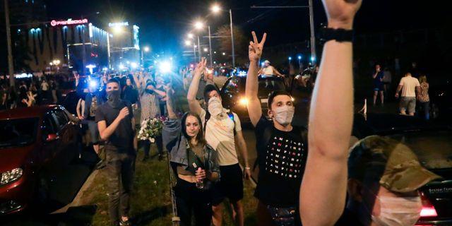 Demonstrationer i Belarus på måndagen. Sergei Grits / TT NYHETSBYRÅN