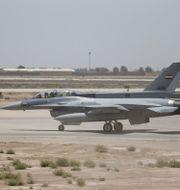 Amerikanskt F16-plan på Balad-basen. Thaier Al-Sudani / TT NYHETSBYRÅN