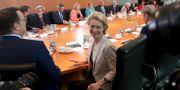 Ursula von der Leyen i onsdags under sitt sista kabinettsmöte som tysk försvarsminister. Michael Sohn / TT NYHETSBYRÅN/ NTB Scanpix