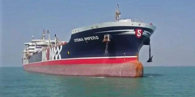 Nytagen bild av fartyget på väg att lämna Iran. STRINGER / IRAN PRESS