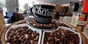 """Starbucks använder sig numera bara av kaffeböner av """"etiskt"""" ursprung, skriver Newsweek. Aijaz Rahi / TT NYHETSBYRÅN"""