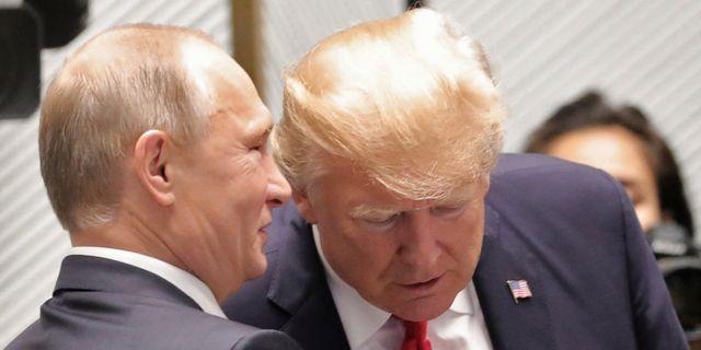 Vladimir Putin och Donald Trump vid ett tidigare möte.  SPUTNIK / TT NYHETSBYRÅN