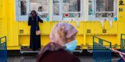 En kvinna testas mot corona i Israel. Oded Balilty / TT NYHETSBYRÅN